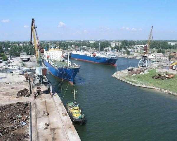 Товары в Крым пытаются переправить по морю