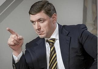 Одесский рейдер Александр Дубовой физически уничтожает коренных киевлян (ВИДЕО)