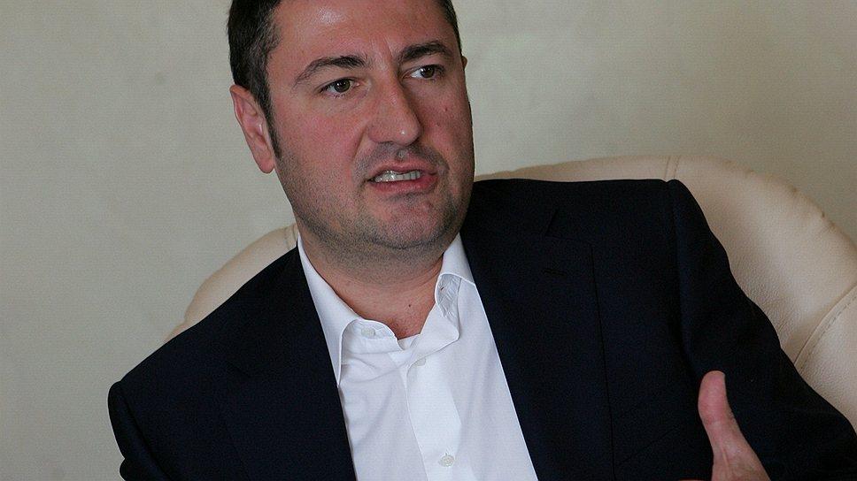 Олег Бахматюк яєчний мільярдер вимивав кошти з «VAB-Банку» та «Фінансової ініціативи»