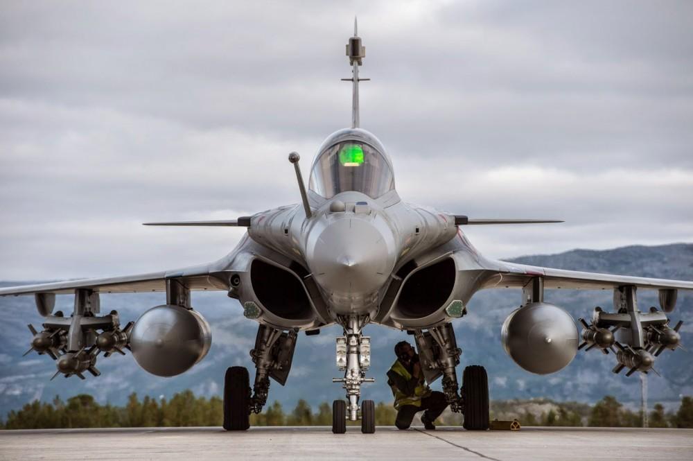 Крупнейший импортер оружия Индия отказалась от росийских самолетов в пользу французских