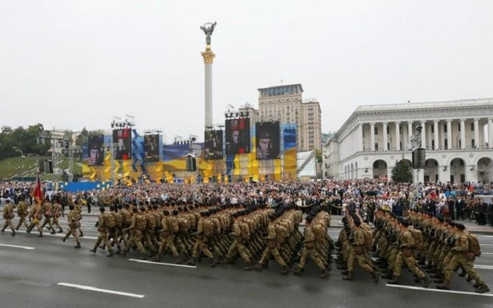 Знаменная группа Сил обороны Эстонии примет участие в военном параде, который состоится в Киеве