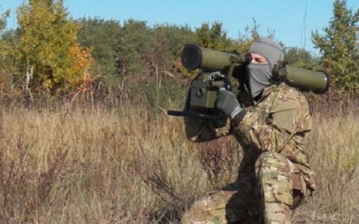 """Українські військові отримали нову зброю – легкий переносний ракетний комплекс """"Корсар""""  ВІДЕО"""
