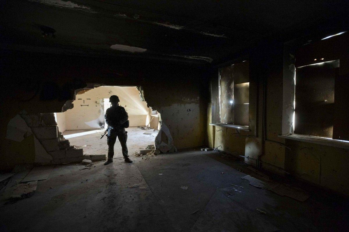 Появилось видео подземного «городка», который построили бойцы в АТО