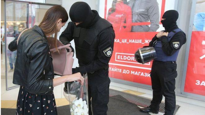 """Рада ухвалила закон, який захистить бізнес від """"маски-шоу"""" (ІНФОГРАФІКА)"""
