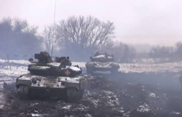 Появилось видео уникальных танковых учений на Донбассе
