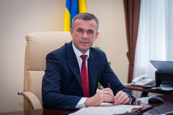 """Недолюстрированный чиновник, назначенный при Януковиче Холоднюк сделал сестру """"смотрящей"""" в ГСАУ"""