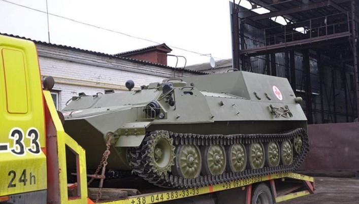 Нова партія броньованих медичних машин МТ-ЛБ-С передана військовим