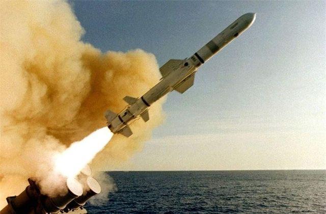 США, Великобритания и Франция нанесли удары по объектам сирийской химической программы (ВИДЕО)