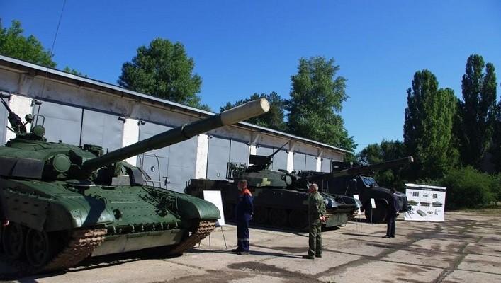 Київський бронетанковий завод відвідала делегація Міністрества оборони Індії (фото)