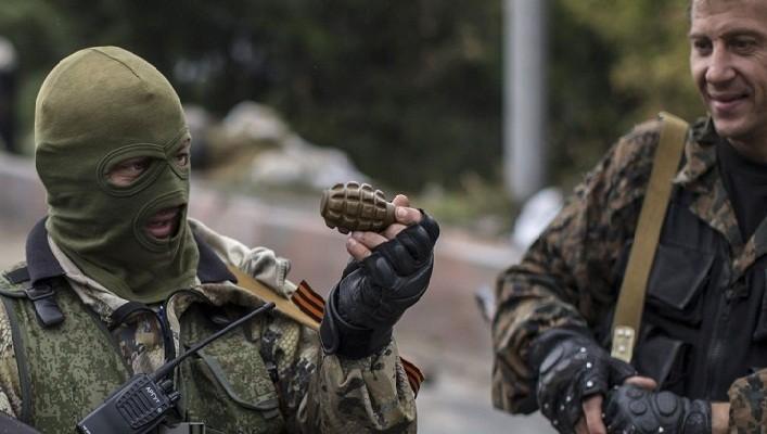 Всупереч Мінську бойовики підтягують важку зброю