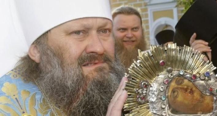 Скандальний намісник Києво-Печерської лаври шукає дипломатичний притулок