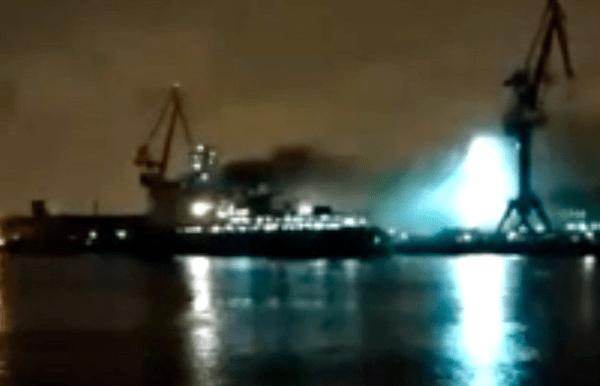 В Санкт-Петербурге горел строящийся ледокол (ВИДЕО)