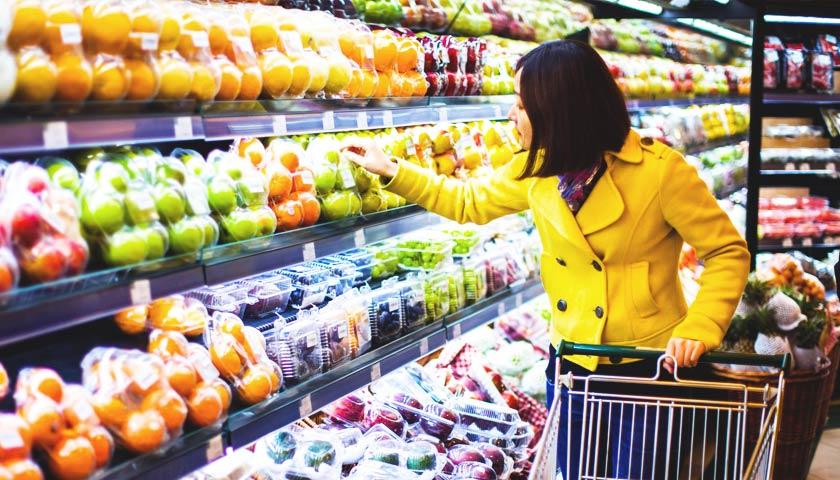 Імпортні продукти в Україні подешевшають